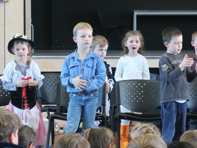 kinder assembly (7) (Small)